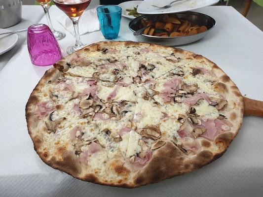 Foto di Ristorante Pizzeria e Affittacamere Patrizia di Romitelli Francesca di Montegranaro  Fermo  Marche         Italia