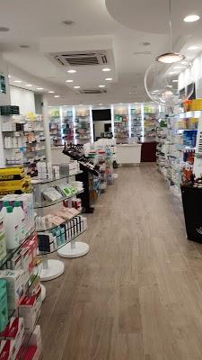 Foto di Farmacia Natale di Via Giuseppe Verdi  Limbiate  Provincia di Monza  Italia