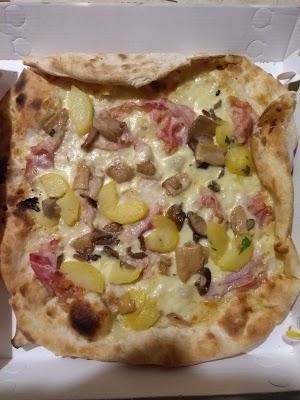Foto di Il Delfino Pizzeria di Carpi  Unione delle Terre d Argine  Modena  Emilia Romagna         Italia