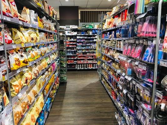 Foto di Supermercato Carrefour Express di Milano  Lombardia  Italia