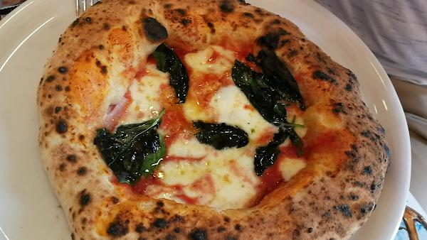 Foto di Pizzeria Napoli In Bocca di Napoli  Campania  Italia