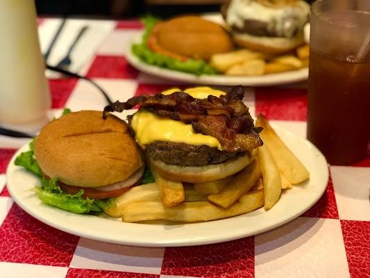 Foto di Paul%27s Da Burger Joint di New York  New York         Stati Uniti d America