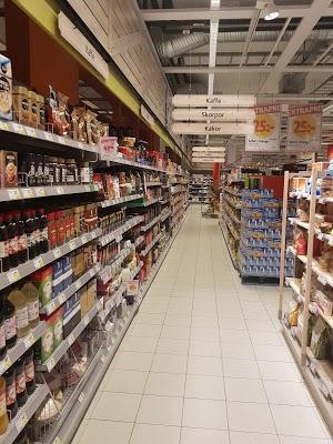 Foto di ICA Supermarket V%E4rnhem di Malmo  Malm   kommun  Contea della Scania  Region G  taland  Svezia