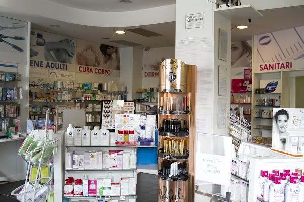 Foto di Farmacia Bertacciola di Via Giuseppe Verdi  Limbiate  Provincia di Monza  Italia