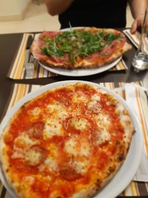 Foto di Pizzeria Del Centro Di Gianfrancesco Amelia di Alife  Caserta  Campania         Italia