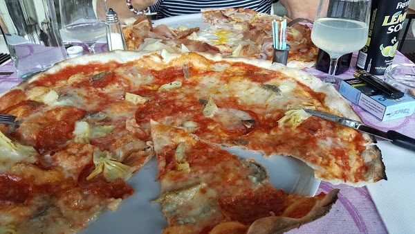 Foto di Ristorante Pizzeria Aquila Bianca di Formigine  Unione dei comuni del Distretto Ceramico  Modena  Emilia Romagna  Italia