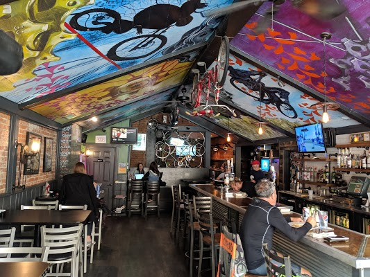 Foto di Over The Bar Bicycle Cafe di Pittsburgh  Allegheny County  Pennsylvania  Stati Uniti d America