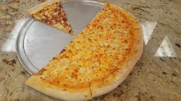 Foto di Cam%27s Pizzeria di Rochester  Monroe County  New York  Stati Uniti d America