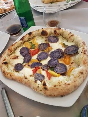 Foto di Pizza House di Torre del Greco