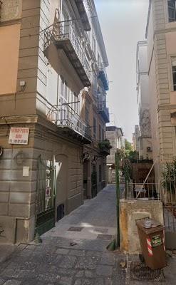 Foto di Due A Immobiliare di Napoli Centro  Via Sant Anna dei Lombardi  Rione Carit    Municipalit      N  poles  Campania         Italy