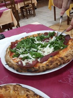Foto di Pizzeria Giglio d%27oro di D%27Alessandro Mario di Monteforte Irpino  Avellino  Campania         Italia