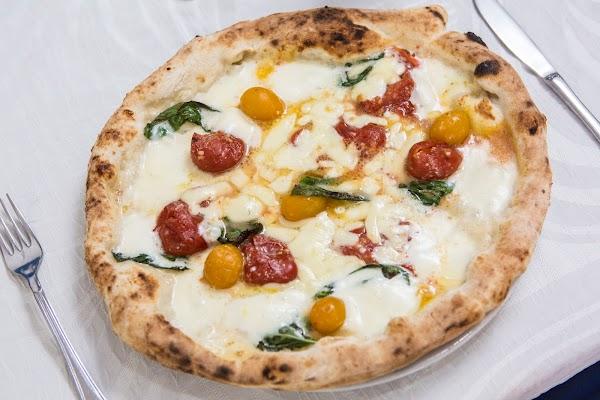 Foto di Pizzeria Tutino Galante di Torre del Greco