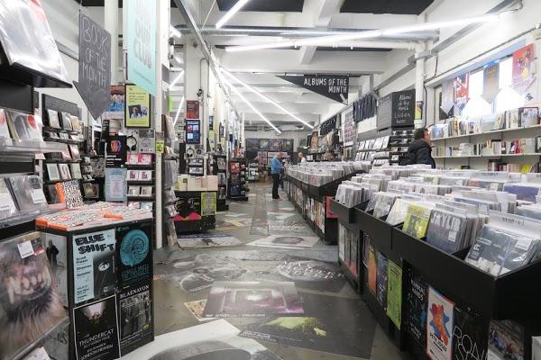 Foto di Rough Trade East di Londra  London  Greater London  Inghilterra  SW A  DX  Gran Bretagna
