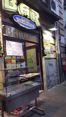 Foto di Bar Atlantic di Napoli Centro  Via Sant Anna dei Lombardi  Rione Carit    Municipalit      Napoli  Campania         Italia