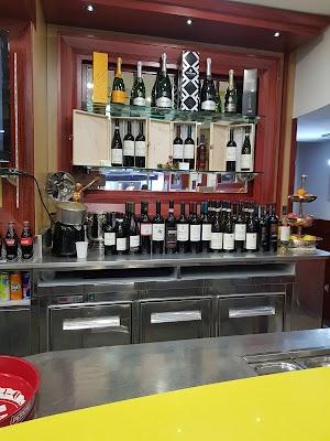 Foto di Bar della Via di Napoli  Campania  Italia