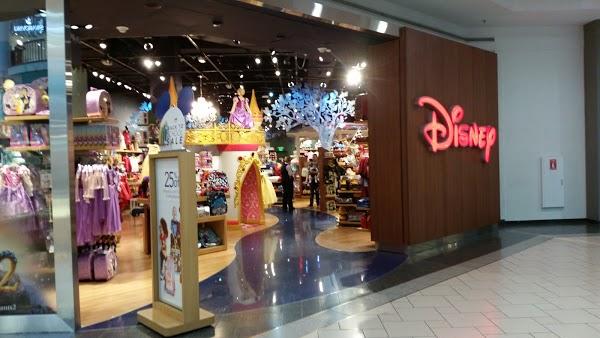 Foto di Disney Store di Syracuse  Onondaga County  New York  Stati Uniti d America