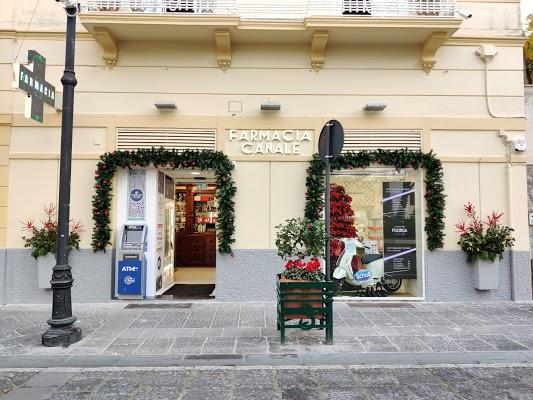 Foto di FARMACIA CANALE %22SAN LUDOVICO%22 di Sorrento  Napoli  Campania         Italia