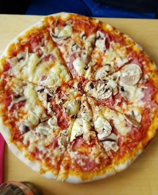 Foto di Pizzeria Casablanca R%FCsselsheim di Raunheim  Kreis Gro   Gerau  Assia         Germania