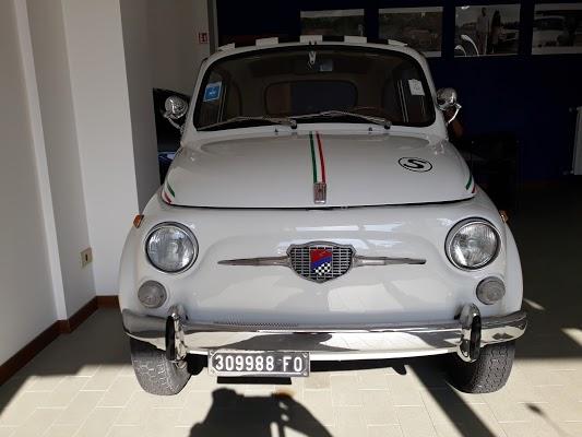 Foto di Ceccaroni Auto di Forl    Unione di Comuni della Romagna Forlivese  Forl   Cesena  Emilia Romagna  Italia