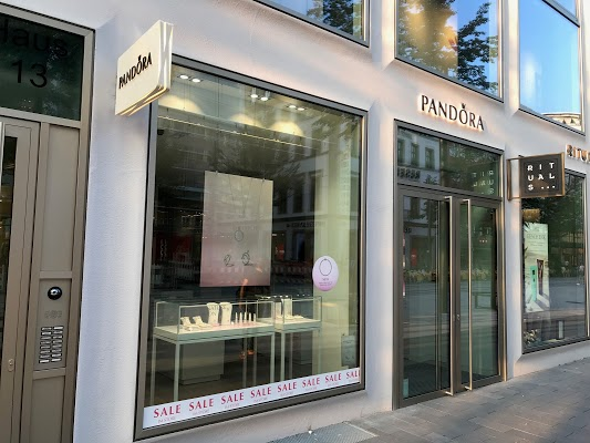 Foto di Pand%F4ra Store di Mannheim  Baden W  rttemberg         Germania