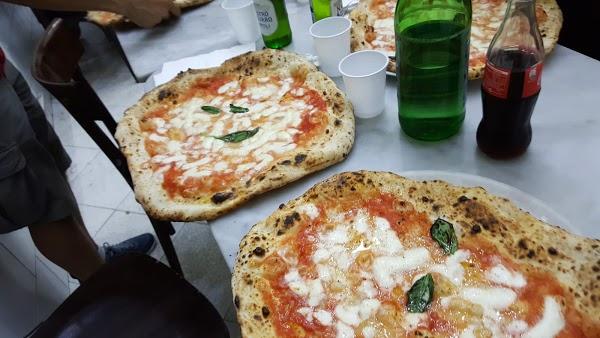 Foto di Martucci Pizzeria di Napoli  Campania  Italia