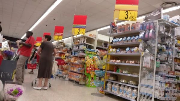 Foto di Supermercato Carrefour Market di Vaprio d Adda  Milano  Lombardia  Italia