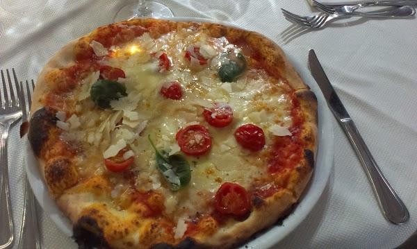 Foto di Pizzeria Trattoria La Piazzetta di Serradifalco  Caltanissetta  Sicilia         Italia