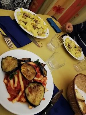 Foto di L%27Oleandro Trattoria Pizzeria di Aci Sant Antonio  Catania  Italia