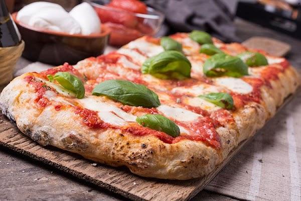 Foto di Pizzeria La Scrocchiarella di Pesaro  Pesaro e Urbino  Marche  Italia