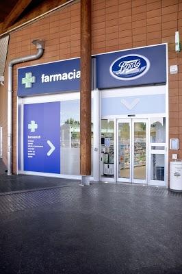 Foto di Farmacia Boots Limbiate di Via Giuseppe Verdi  Limbiate  Provincia di Monza  Italia