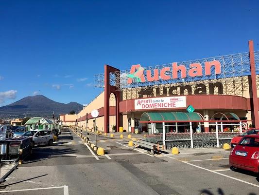 Foto di Auchan di Torre Annunziata  Napoli  Campania         Italia
