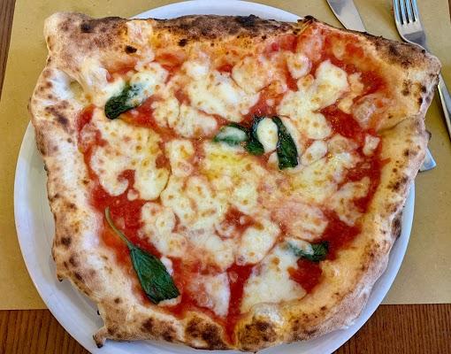Foto di Pizzeria Da Gennaro Criter Sas Di Cristiano Francesco E Cristiano Fabio di Napoli