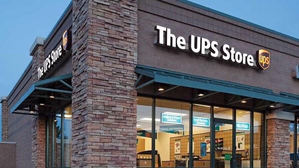 Foto di The UPS Store di Rochester  Monroe County  New York  Stati Uniti d America