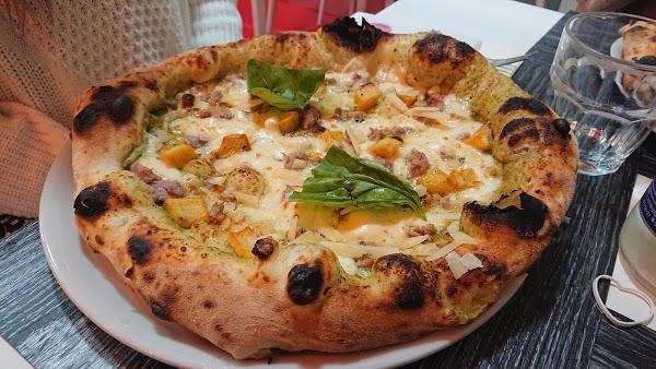 Foto di L%u2019Officina della Pizza di Sarno  Salerno  Campania         Italia