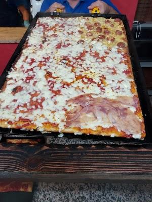 Foto di Pizzeria %22Mordi %26 Fuggi%22 di Via del Mare  Lenola  Latina  Lazio         Italia
