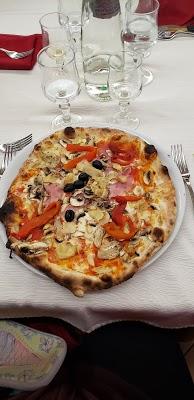 Foto di Ristorante - Pizzeria Il Rinascente Di Santarelli Maurizio di Pastena  Frosinone  Lazio  Italia