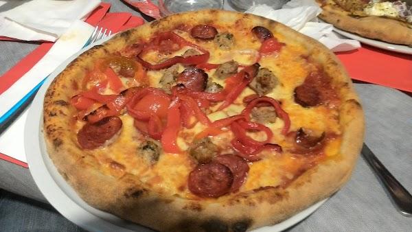 Foto di L%27 Officina Della Pizza s.r.l.s. di Caltanissetta  Sicilia         Italia