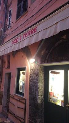 Foto di Coop. Di Consumo 5 Terre di Vernazza  La Spezia  Liguria  Italia