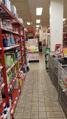 Foto di ICA Supermarket S%F6der di Malmo  Malm   kommun  Contea della Scania  Region G  taland  Svezia