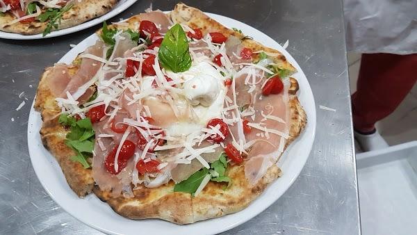 Foto di Pizzeria Toti di Mariglianella  Napoli  Campania  Italia