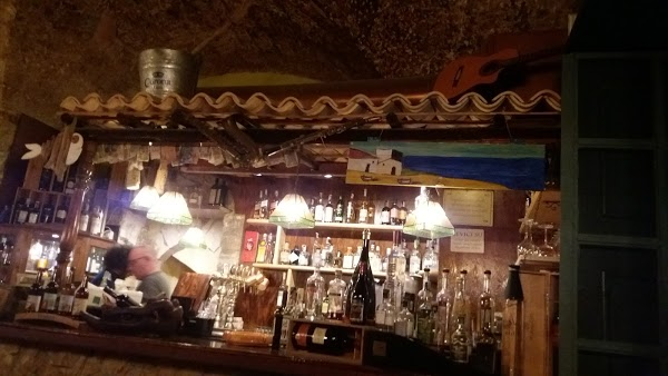 Foto di Vecchio Pub 1979 di Siracusa  Sicilia         Italia