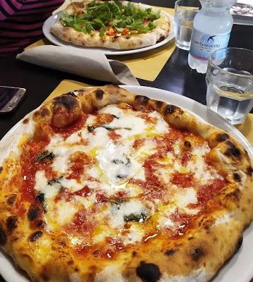 Foto di Pizzeria da Salvatore dal 1967 di Pompei  Napoli  Campania         Italia