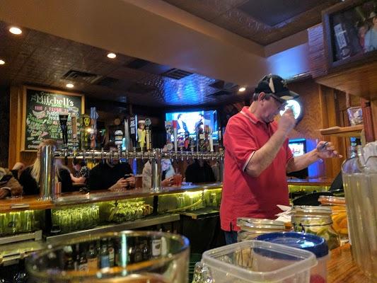 Foto di Mitchell%27s Restaurant%2C Bar %26 Banquet Center di Pittsburgh  Allegheny County  Pennsylvania  Stati Uniti d America