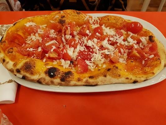 Foto di Amici di pizzeria e... di Albano Laziale