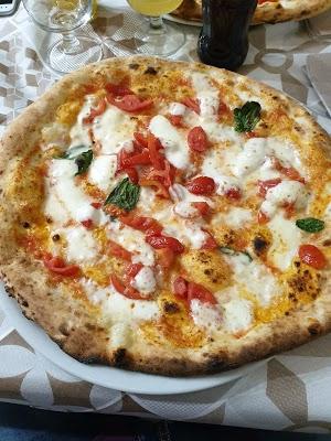 Foto di Pizzeria trattoria STIGLIANO di San Sebastiano al Vesuvio  Napoli  Campania  Italia