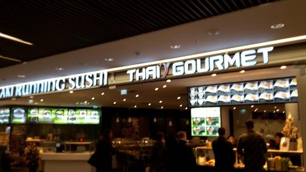 Foto di Thanh Hai Nguyen %26 Thi Hong Luong Le Aki Running Sushi di Mannheim  Baden W  rttemberg         Germania