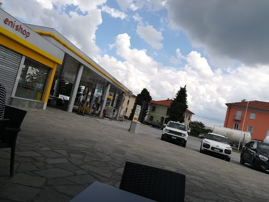 Foto di Stazione Di Servizio Eni METANO di Cuneo  Piemonte  Italia