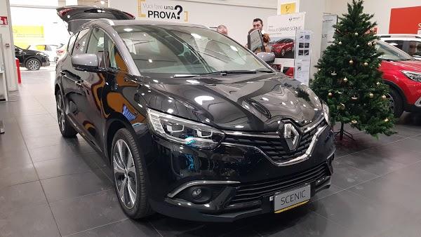 Foto di Renault di Bologna  Emilia Romagna  Italia