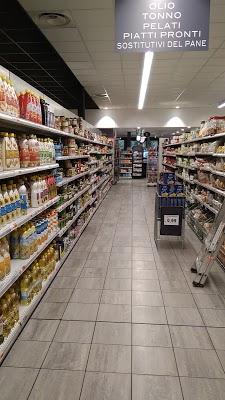 Foto di U2 Supermercato di Solaro  Milano  Lombardia  Italia