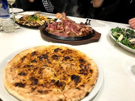 Foto di L%27 Angolo del Gusto - Ristorante Pizzeria di Cesate  Milano  Lombardia         Italia